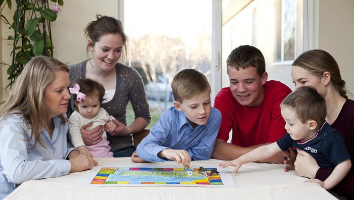 Защо да играем настолни игри с децата?